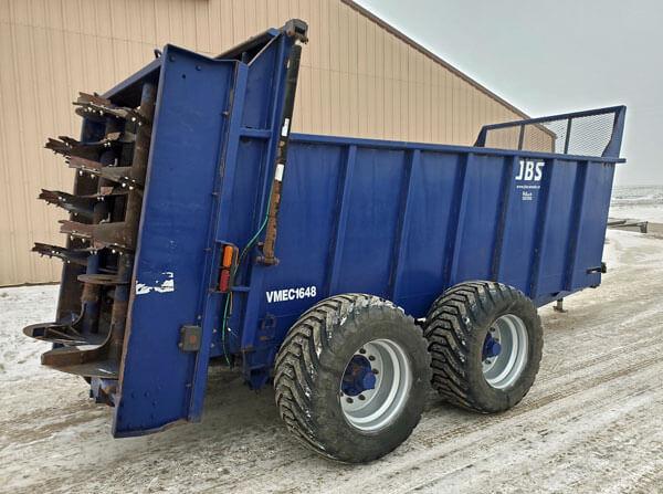 JBS-VMEC-1648-Vertical-Beater-Manure-Spreader