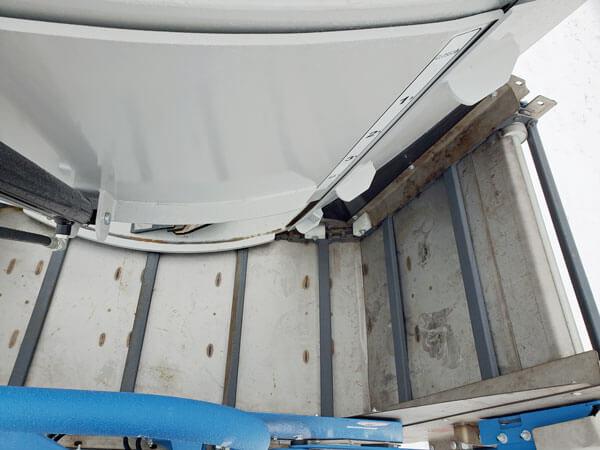 Penta-4930-Vertical-Mixer-Wagon-ID3547-7