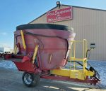 Supreme-400-Vertical-Mixer-Wagon