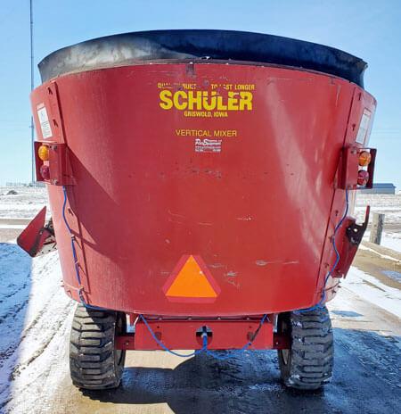Schuler-4020-Vertical-Mixer-Wagon