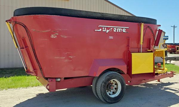Supreme-1000T-Vertical-Mixer-Wagon