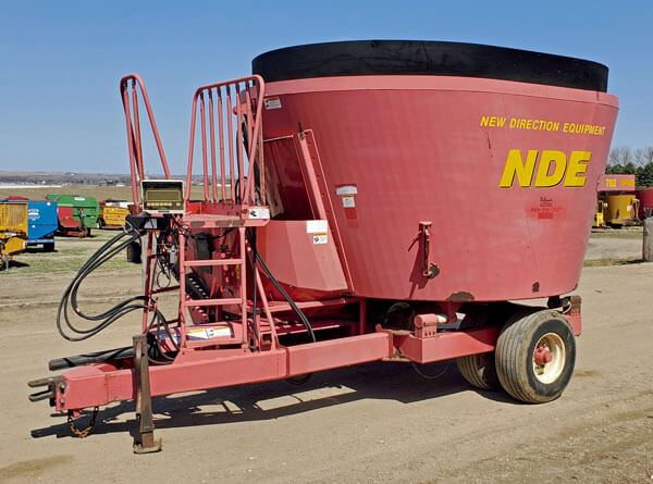 NDE-702-Vertical-Mixer-Wagon