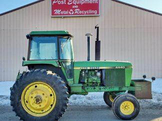 John-Deere-4440-Tractor