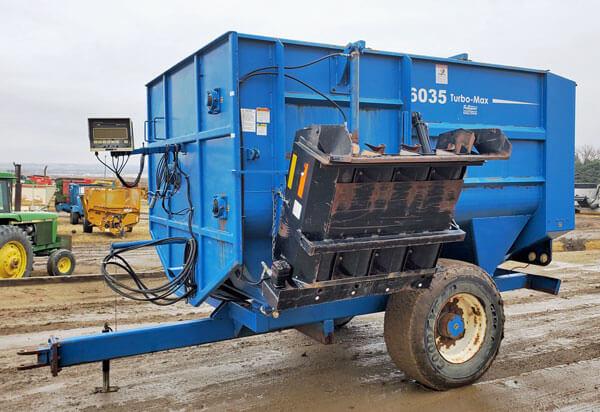 SAC-6035-Reel-Mixer-Wagon