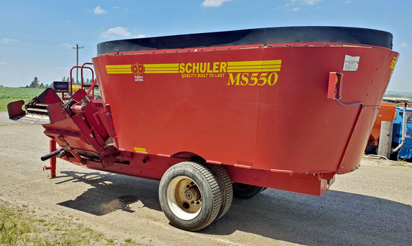 Schuler-MS550-Vertical-Mixer-Wagon