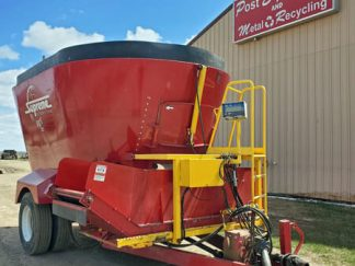Supreme-900T-Vertical-Mixer-Wagon