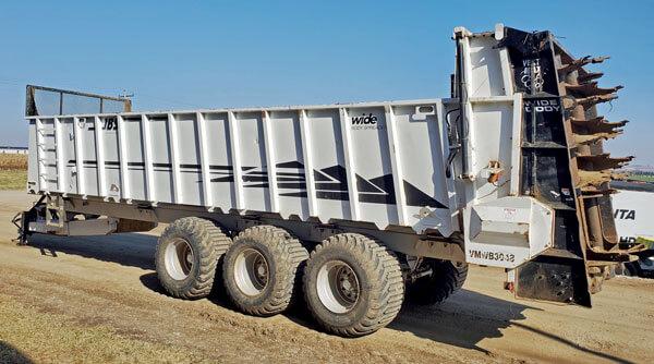 JBS-3048-WB-Vertical-Beater-Manure-Spreader