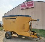 Knight-5032-Vertical-Mixer-Wagon
