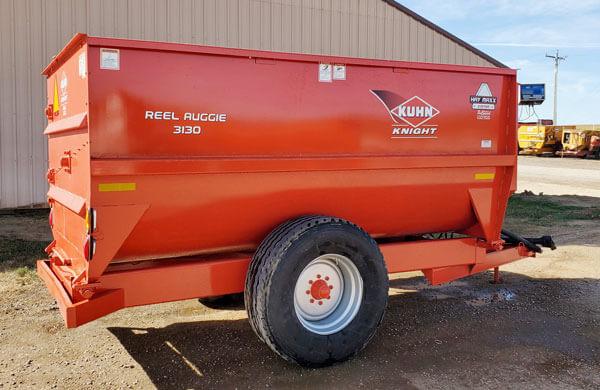Kuhn-Knight-3130-Reel-Mixer-Wagon