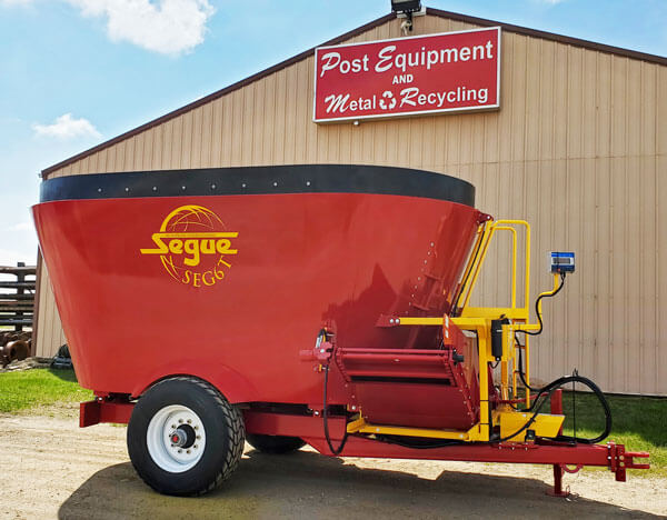 Segue-6T-Vertical-Mixer-Wagon