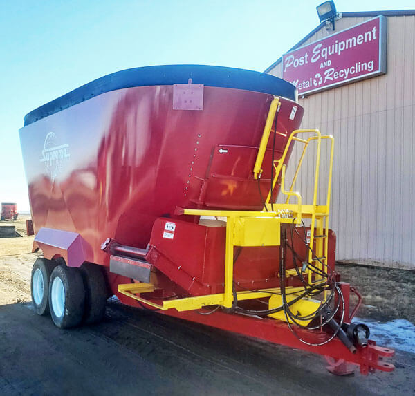 Supreme-1400T-Mixer-Wagon
