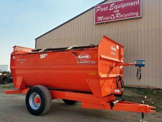 Kuhn-Knight-3142-Reel-Mixer-Wagon