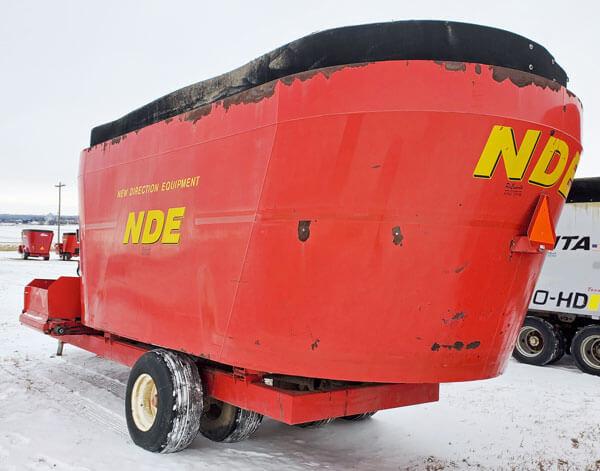 NDE-2656-Vertical-Mixer-Wagon
