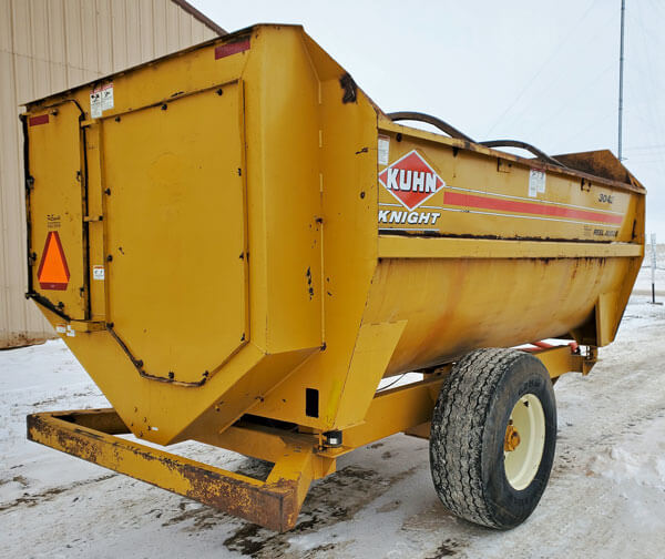 Knight-3042-Reel-Mixer-Wagon-ID3865