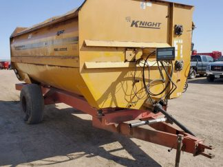 Knight-3060-Reel-Mixer-Wagon