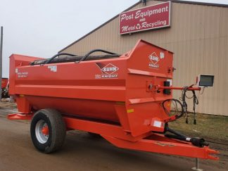 Kuhn-Knight-3150-Reel-Augie-Mixer-Wagon