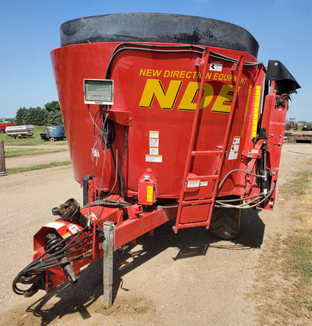 NDE-1552-Vertical-Mixer-Wagon