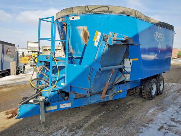 Patz-V950-Vertical-Mixer-Wagon