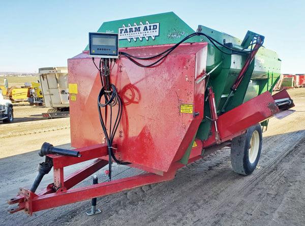 Farm-Aid-340-Reel-Mixer