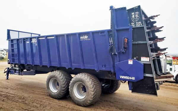 JBS-2248-Wide-Body-Manure-Spreader