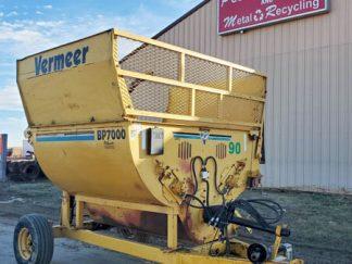 Vermeer-7000-Bale-Shredder