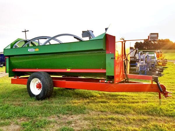 Farm-Aid-430-Reel-Mixer-Wagon