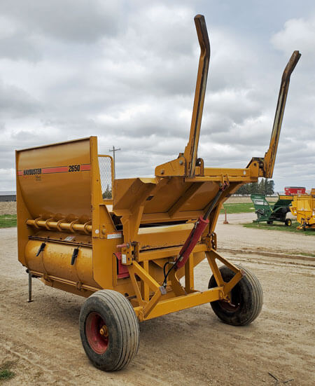 Haybuster-2650-Bale-Processor