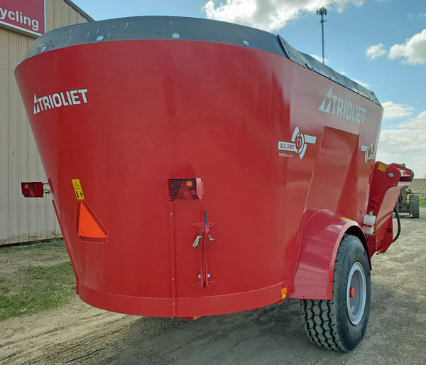 Trioliet-Solomix2-2000-VLL-S-Vertical-Mixer-Wagon