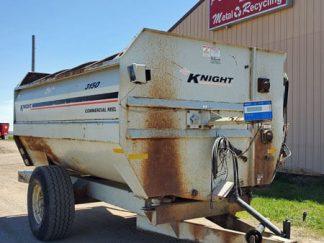 Kuhn-Knight-3050-Reel-Mixer-Wagon