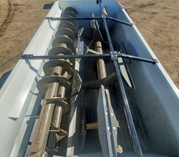 Roto-Mix-414-14-Staggered-Rotor-Mixer-Wagon
