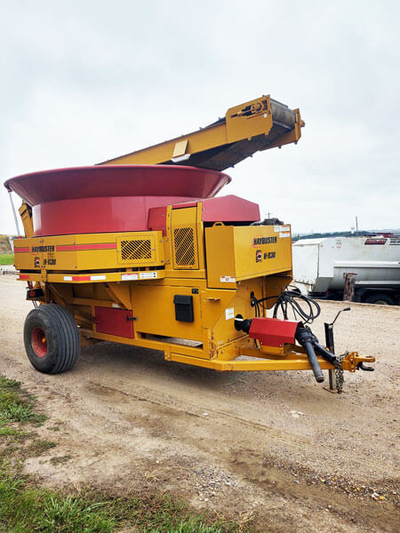 Haybuster-H1130-Tub-Grinder