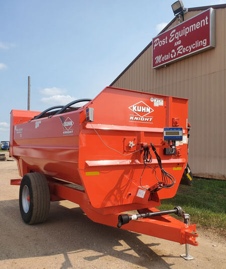 Kuhn-Knight-RA142-Helix-Reel-Mixer-Wagon